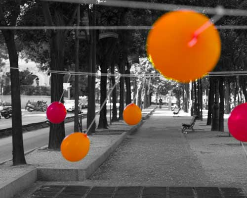 Theo Jones architecture Balloons for Salamanca installation balloon poll in Madrid street