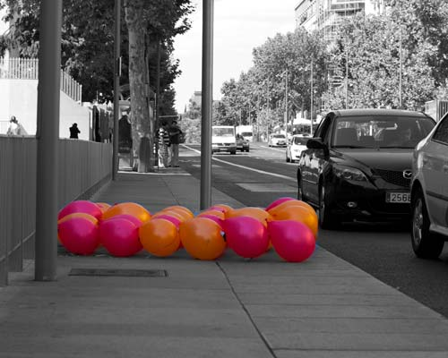 Theo Jones architecture Balloons for Salamanca installation hopscotch in Madrid street
