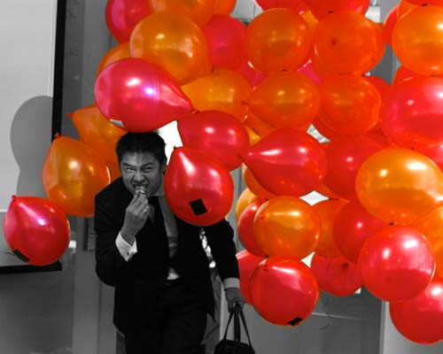 Theo Jones architecture Balloons for Salamanca installation jury compression